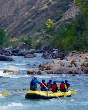 White Water Rafting in Teesta